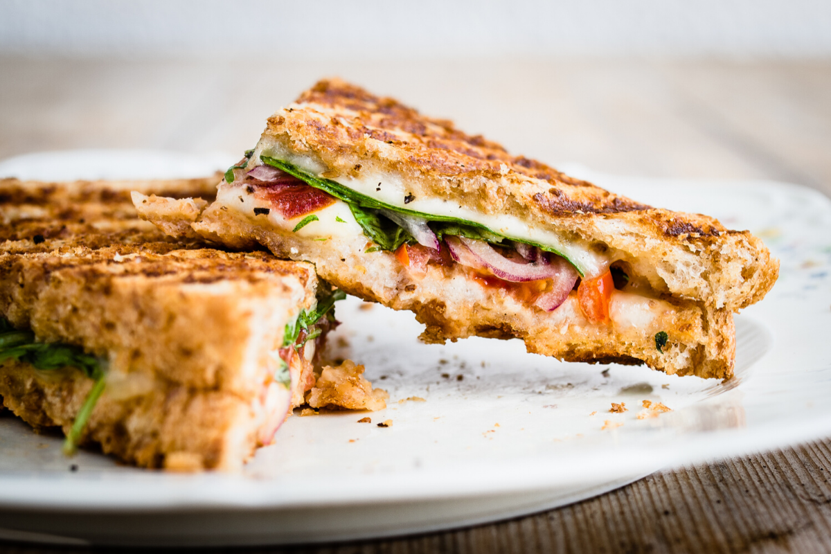 Grilled Sandwich With Tomato,Red Onions, Lettuce and Meat