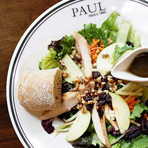 PAUL salad plate with baguette
